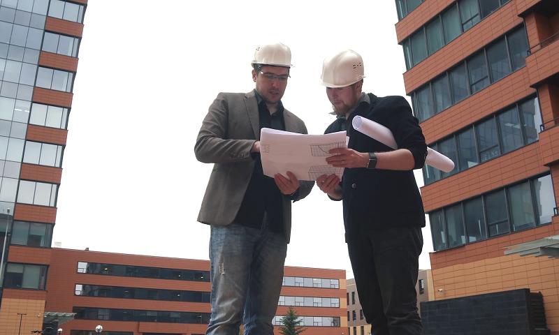 skladba plochej strechy konzultovaná dvoma odborníkmi